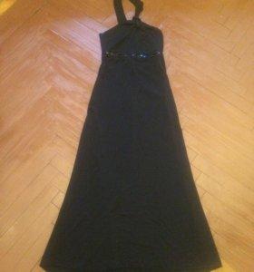 Вечернеее платье со шлейфом