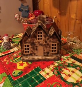 Домик для декора или под ёлочку