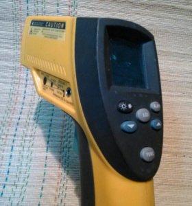 Инфракрасный термометр FLUKE-68