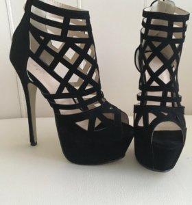 Новые босоножки-туфли