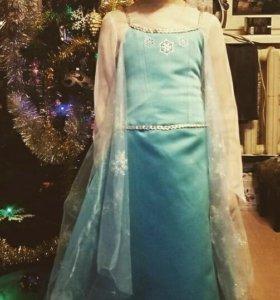 Платье Эльзы ручной работы.