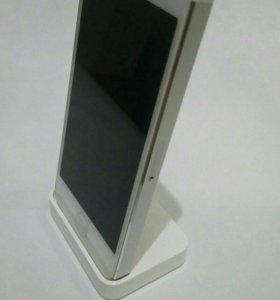 Подставка для зарядки iPhone 5