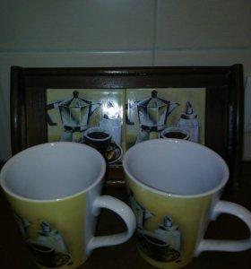 Чашки на подносе.