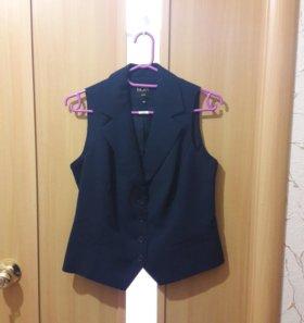Новый Костюм жилет и юбка для офиса