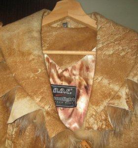 легкое пальто с натуральным мехом