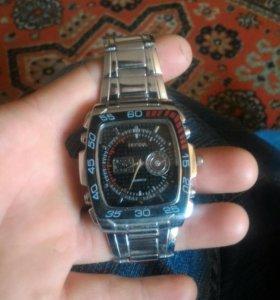 Продаю часы в в идеальном состоянии