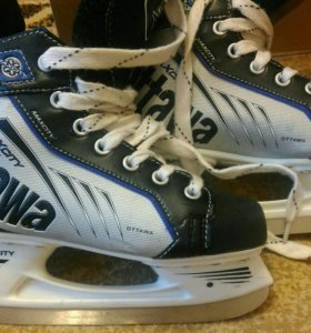 Хоккейные коньки.37 р.