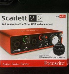 Focusrite Scarlett 2i2 2Gen New + Bias FX/Amp LE