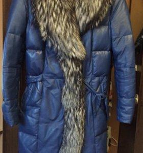 Женское кожаное пальто на пуху