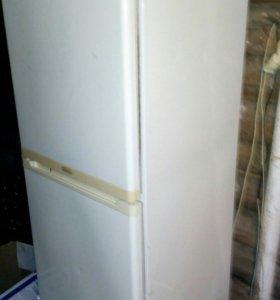 Холодильник STINOL.