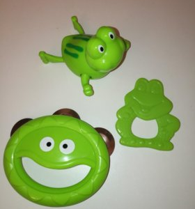 Игрушки-лягушки (прорезыватель, бубен, плавунец)
