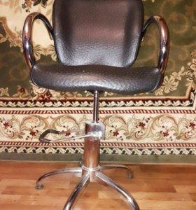 Парикмахерский стул