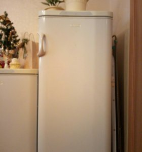 Продам холодильник Погребок(без морозилки)