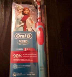 Электрическая зубная щётка Oral-B для детей