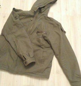 Теплая куртка, демисезон, с утеплителем