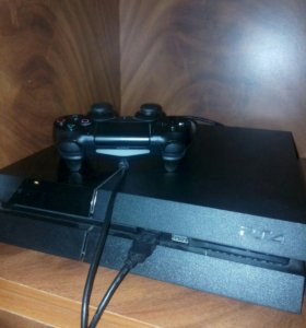 PlayStation 4 + 3 игры