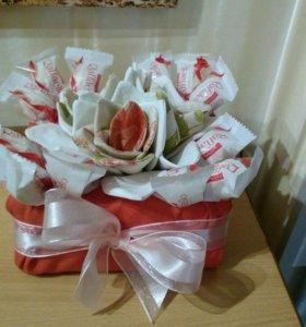 Подарочная сладкая корзина (ручная работа)