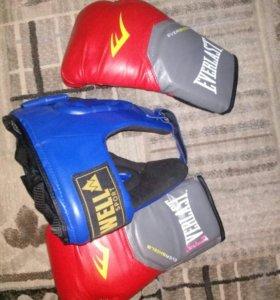 Комплект боксерского снаряжения.