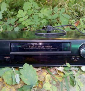 Видеомагнитофон кассетный, ретро
