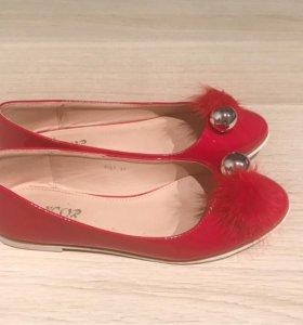 Красные лаковые балетки, размер 37, новые