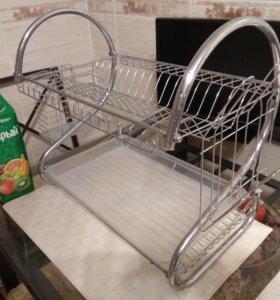 Металлическая подставка для тарелок