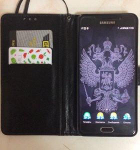 Телефон Самсунг А7. 2016 года.