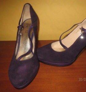 Замшевые сиреневые туфли
