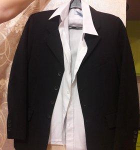 Пиджак и рубашка.