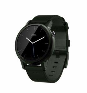 Умные часы Motorola Moto 360.