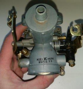 Карбюратор PZ30 с ускорительным насосом.