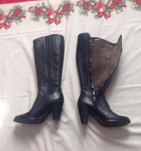 Кожаные сапоги Tamaris 38 размер