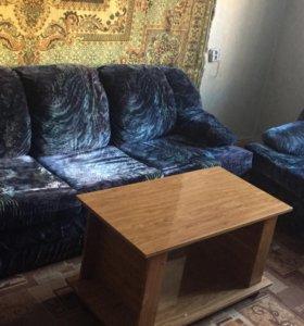 Диван, 2 кресла.