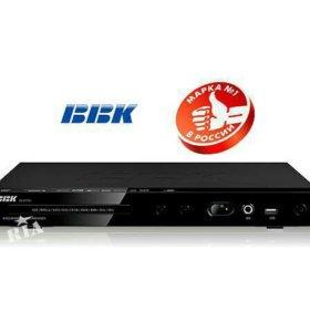 DVD-плеер BBK DV417SI