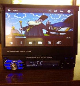 Авто видео магнитола с выдвижным сенсорным экранм.