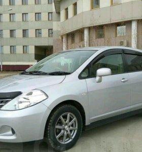 Nissan Tiida хэтчбек 2008