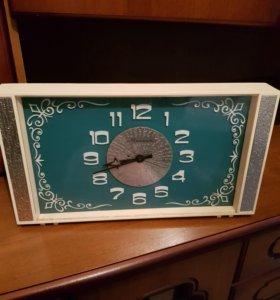 Часы СССР Молния - зеленый циферблат