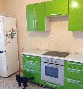 Новый кухонный гарнитур+раковина из камня