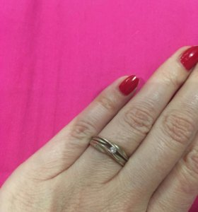 Кольцо золотое с бриллиантом