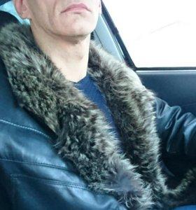 Кожаная куртка с мехом енота мужская