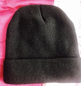 Чёрная шапка