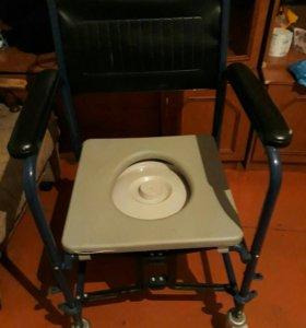 Инвалидная коляска с санит. оснащением (туалетом)