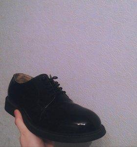 Мужские кожаные туфли-дерби (полуботинки)