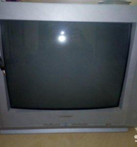 Телевизор в отличном состоянии Sамсунг,