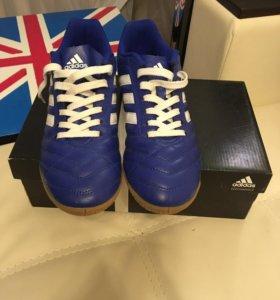 Adidas (абсолютно новые футзалки)