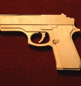 Пистолет - резинкострел.