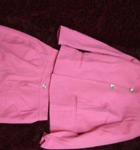 Новый. Костюм пиджак и шорты 44-46 р.