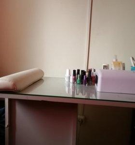 Маникюрный стол, тележка для окрашивания, 2столика
