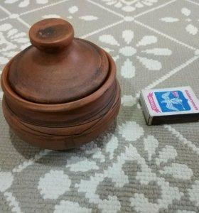 Глиняная баночка