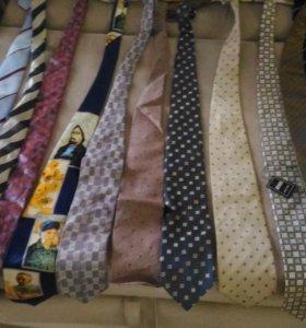 Фирменные галстуки в отличном состоянии