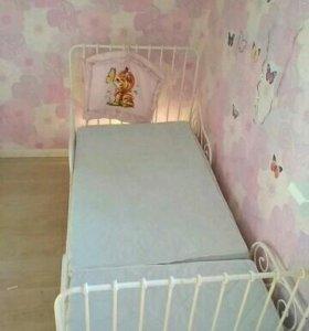 Кровать детская,раздвижная.